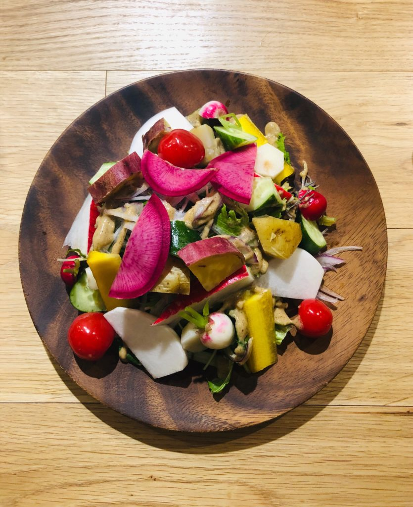 地場野菜たっぷり 自家製昆布ドレッシングのサラダ